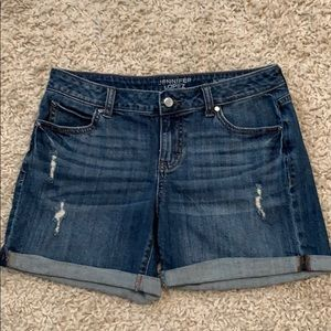 EUC Jennifer Lopez Lightly Distressed Denim Shorts
